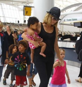 HK 281x300 Heidi Klum on caring for her bi racial childrens natural hair